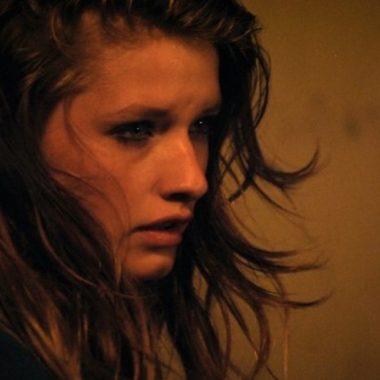 "ELLA-JUNE HENRARD ""Bo"" (© Caviar Film)"